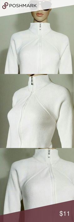 Liz Claiborne Womens White Full Zip Sweater Size M MEDIUM - 100% Cotton In very good condition!! Very adorable!! A great gift!! Fast Shipping!! Liz Claiborne Sweaters