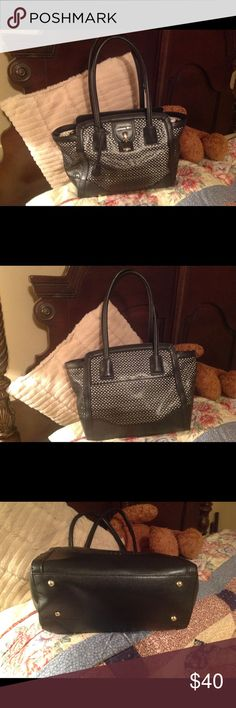Large London Fog Purse Nice bag in excellent condition and from a smoke free home London Fog Bags Shoulder Bags