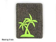 Mit Reisepasshüllle aus grauem 2 mm dickem Wollfilz hebt sich dein Reisepass von der Masse ab und ist gut geschützt.     Der europäische Reisepass ...