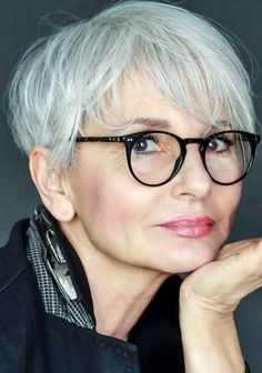 Best 12 Hairstyles for Women Over 60 to Look Younger | Pouted.com Short Grey Hair, Short Hair With Bangs, Short Hair Cuts For Women, Short Hair Styles, Short Cropped Hair, Gray Hair, Short Sassy Haircuts, Short Hairstyles Over 50, Medium Hairstyles
