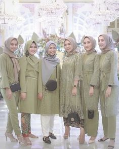 Source by yovaaklil dresses hijab Kebaya Modern Hijab, Model Kebaya Modern, Kebaya Hijab, Kebaya Dress, Kebaya Brokat, Model Kebaya Muslim, Hijab Dress Party, Hijab Style Dress, Casual Hijab Outfit