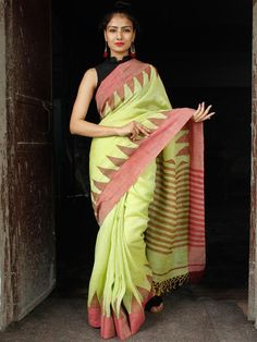 Light Green Red Handwoven Linen Jamdani Saree With Temple Border & Tassels - Cotton Sarees Handloom, Jamdani Saree, Pure Silk Sarees, Printed Sarees, Saree Collection, Indian Sarees, Designer Dresses, Hand Weaving, Temple