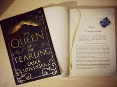 #booksroomblog #booksroom #thequeenofthetearling #erikajohansen #lovereading #bookstoread #bookstagram #bookchallenge #fantasystory #fantasybooks #magicworld #booklovers #instachallenge #instablogger #instabooks #booktag #tribe_piu #bookblog