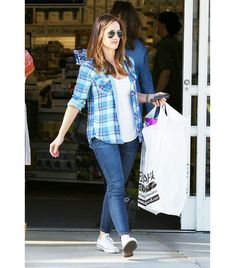 @Who What Wear - Minka Kelly                 T-Shirt + Plaid Button-Down Blouse     Get the look: Topshop Washed Pocket Tee Shirt ($20) in White; Band of Outsiders Plaid Cotton-Flannel Boyfriend Shirt ($325)
