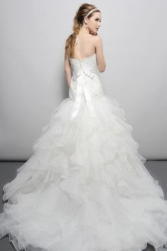 Dramatic Sweetheart Fit N Flare Chapel Train Satin & Organza Bridal Gowns With Ruffles