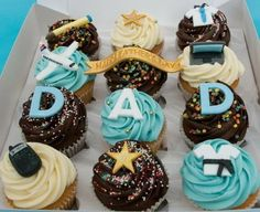 Cool Themed Cakes Cupcake Decorating Ideas For Dad On Fathers Day Family Holiday Happy Fathers Day Cake, Fathers Day Cupcakes, Fathers Day Crafts, Fondant Cupcakes, Cupcake Cakes, Cupcake Ideas, Recycled Christmas Decorations, Birthday Cup, Male Birthday