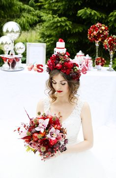 snow white themed vintage wedding shoot by wwwflowersbykirstycom