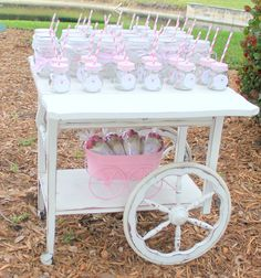 Ice Cream Sundae Party – The Mamanista Sundae Party, 2nd Birthday, Birthday Parties, Christening Decorations, Romantic Shabby Chic, Afternoon Tea Parties, Shabby Chic Baby Shower, Icecream Bar, Ice Cream Party