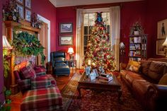 Celebrate christmas past with these holiday home tours official georgia tou Christmas Past, Christmas Houses, Plaid Christmas, Victorian Christmas, Xmas, Southern Christmas, Christmas Interiors, Victorian Decor, Christmas Decorations