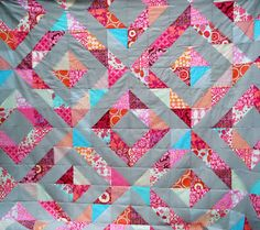 Cabbage Quilts: The wonderful half square triangles