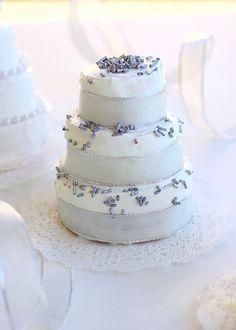 Royal wedding ribbon cake