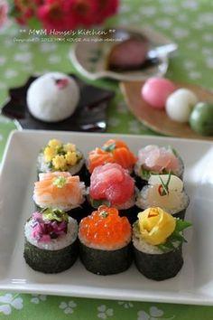 Beautiful platter of assorted maki sushi rolls Oshi Sushi, Japanese Food Sushi, Sushi Food, Sashimi Sushi, Onigirazu, Little Lunch, Sushi Recipes, Comfort Food, Cute Food