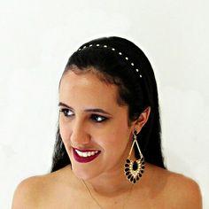 Headband com  tachinhas dourada,  uma  opção  para  deixar  o look  arrumado,  diferente  e ajuda nos  penteados  mais  práticos! Poucas  unidades,  compre  aqui 💻 www.minhanovabiju.com.br  #minhanovabiju #acessoriosfemininos #acessorios #headband #tachinhasdouradas #tachinhas #headbandtachinhas #lojavirtual #lojaonline #moda  #tendencia #trend #verao2017 #siteseguro #siteresponsivo #compreaqui #varejoonline #salvador #salvadorbahia #enviamosparatodobrasil📦 #enviamosparatodobrasil