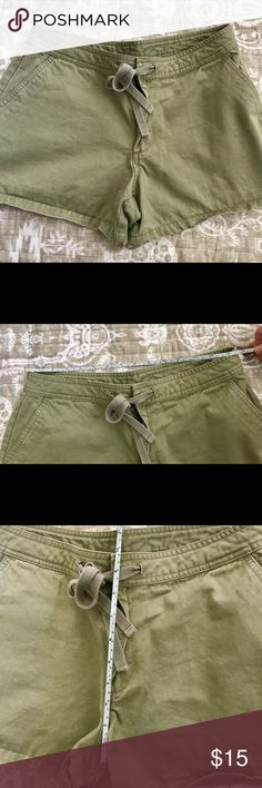 OLD NAVY VINTAGE SHORTS. SIZE 6. Size 6 Old Navy army green shorts. Please see pics for detail measurements. Old Navy Shorts