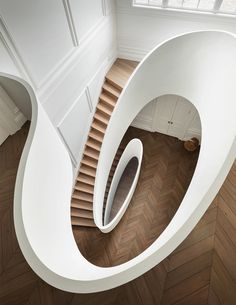 Sculptural Stairs by Steven Harris Architects