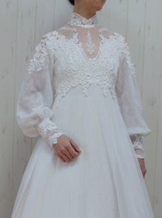 It's a lovely gown, isn't it? Hijab Dress Party, Hijab Wedding Dresses, Bridal Gowns, Pretty Dresses, Beautiful Dresses, Maternity Patterns, Frocks And Gowns, Maternity Gowns, Tulle Dress