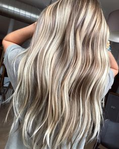 Fall Blonde Hair Color, Beauty Nails, Hair Beauty, Blonde Balayage, Low Lights, Long Hair Styles, Beachy Hair, Glow, Hairstyles