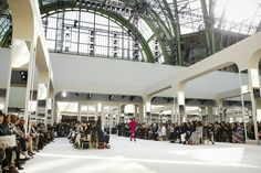 Chanel Fall 2016 Ready-to-Wear Atmosphere and Candid Photos - Vogue