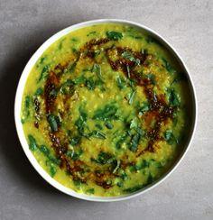 Spinach Daal Recipe — Sheil Shukla Other Recipes, New Recipes, Vegan Recipes, Favorite Recipes, Chilli Recipes, Indian Food Recipes, Ethnic Recipes, Daal Recipe Indian, Fresh Spinach Recipes