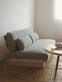 ジャルビ/ソファ/SLOW HOUSE/スローハウス/インテリア/ACTUS/ARBO/アルボ Diy Couch, Wooden Sofa, Minimalist Home, Living Room Designs, Home Goods, Family Room, Lounge, Room Decor, Interior Design