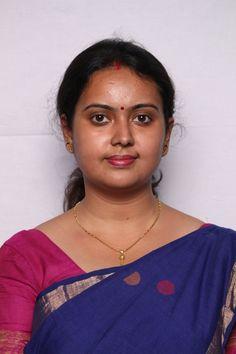 Amity University Noida Beautiful Girl In India, Beautiful Women Over 40, Most Beautiful Indian Actress, Beautiful Girl Image, Women Friendship, Girl Number For Friendship, Indian Natural Beauty, Indian Beauty Saree, Cute Beauty