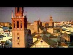 Carmona es de cine I  Es asombrosa la variedad de monumentos y museos, casas blasonadas, palacios, inglesias, conventosm, restos arqueológicos del tiempo de los musulmanes y romanos, sobre todo. No es de extrañar que decenas de películas se hayan firmado aquí.