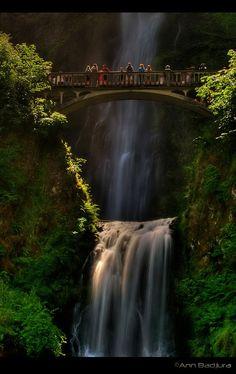 Beautiful Multnomah Falls - Oregon