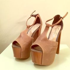 Jessica Simpson Dany Heel in Brown, Size: 8 Jessica Simpson Dany Heel in Brown in size 8. New, never worn! Adorable with jeans, sun dress, and really anything. Wood heel accent dresses these show stoppers up!  Jessica Simpson Shoes Heels