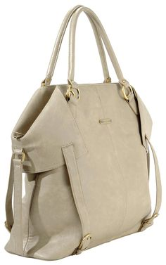 Pretty chic diaper bag - for my mommie friends out there :-)
