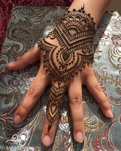 So much fun henna happening this weekend! . . #sarahenna #henna #mehndi #Kirkland #kirklandart #seattlehenna #seattle #rentonriverdays #festival #hennaartist #art #artist #seattleart #kirklandartist #kirklandhenna #naturalhenna #hennaart #Woodinville #bothell #Redmond #Bellevue #hennaseattle