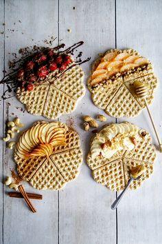 Najprostsze gofry świata (2 składniki) - Wilkuchnia.pl Dessert Decoration, Decorations, Make Good Choices, Halloumi, Waffles, Healthy Lifestyle, Good Food, Food And Drink, Gluten Free