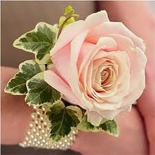 single rose wrist corsage with pearls for mothers of bride and groom and grandmothers