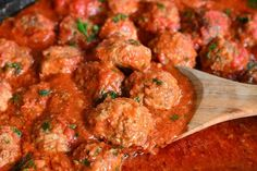This is the best classic Italian meatballs recipe. These meatballs are tender, juicy, and made with simple ingredients for the best flavor. Best Italian Meatball Recipe, Classic Meatball Recipe, Meatball Recipes, Beef Recipes, Cooking Recipes, Slow Cooking, Lunch Recipes, Dinner Recipes, Best Meatballs