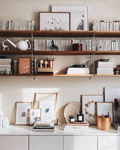 """Samantha F. op Instagram: """"(Parenthèse) bretonne ♡. . Clap de fin sur cette nouvelle et dernière tournée de formations de 2019. Je crois bien que nous ne pouvions…"""" Bookshelf Inspiration, Bookshelves, Shelving, Home Decor, Instagram, Baby Born, Shelves, Bookcases, Decoration Home"""