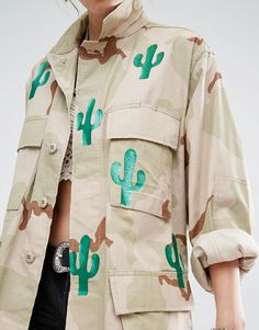 Buy Reclaimed Vintage Military Jacket In Camo Print With All Over Cactus at ASOS. With free delivery and return options (Ts&Cs apply), online shopping has never been so easy. Get the latest trends with ASOS now. Reclaimed Vintage, Vintage Military Jacket, Camoflauge Jacket, Winter Outfits, Cool Outfits, Stoff Design, Military Camouflage, Field Jacket, Camo Print