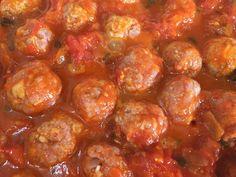 Polpette di Carne!!!!Esta receita veio da Toscana!!! Do Chef Andrea Granzotto Vai precisar de… 200 gr. de carne de porco 200 gr. de carne de Vitela 200 gr. de carne de bovina 80 gr. de pão dormido 1/2 xícaras de …