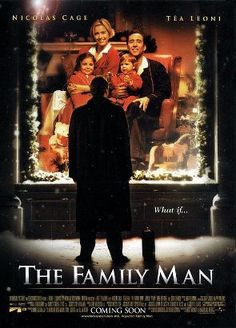 The Family Man - In this whimsical romantic comedy that recalls It's a Wonderful Life, Nicolas Cage plays Jack Campbell, a workaholic bachelor who gets to see what his life might have been like had he stayed with his old sweetheart, Kate (Tea Leoni). Tea Leoni, Nicolas Cage, Man Movies, Movies To Watch, Funny Movies, Jeremy Piven, The Grinch, Bon Film, Bad Santa