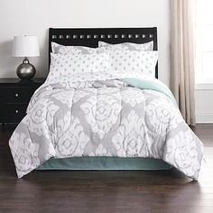 Complete Comforter Bedding Set Bed in a Bag Only 10 In Stock Order Today! Product Description: Seamlessly coordinate your bedroom with a Colormate complete comforter bedding set. It comes with everyth
