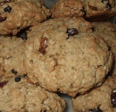 Recette: Galettes à l'avoine et raisins secs. Brownie Cookies, Cookie Bars, Bread Recipes, Cookie Recipes, Biscuit Cookies, French Food, Scones, Biscuits, Deserts