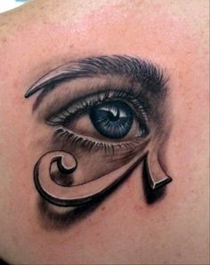 .sooo neattt!! i always wanted an eye of horus tattoo, but what better than using my eye lol