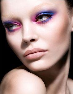 Gorgeous Makeup Looks Just for You - Fashion Diva Design Dramatic Eye Makeup, Purple Eye Makeup, Dramatic Eyes, Pink Eyeliner, Kiss Makeup, Beauty Makeup, Hair Makeup, Makeup Art, Fun Makeup