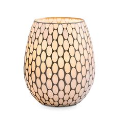 Shampanjan hehku -hurricane  P92482   Mosaiikkilasia. Mukana  samppanjanvärinen, metallinen yleiskäyttöinen teline Tuikkiville ja lasisia  koristehelmiä. Korkeus 26 cm. (Kynttiläpurkki, Pilarikynttilä, Tuikkiva)