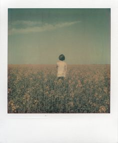 Four Lines by Four Lines via Behance Four Lines by Four Lines via Behance The post Four Lines by Four Lines via Behance appeared first on Film. Aesthetic Vintage, Aesthetic Photo, Aesthetic Pictures, Polaroid Photos, Polaroids, Polaroid Pictures Photography, Vintage Polaroid, Lomography, Expo
