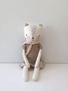 luckyjuju kitty girl SITTING style by luckyjuju on Etsy