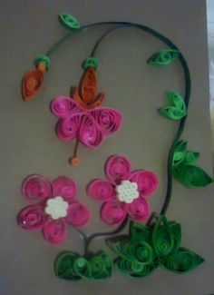 Flowers in quilling.
