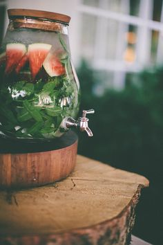 Watermelon mint water ,Infused waters are a must! Infused Water Recipes, Fruit Infused Water, Infused Waters, Refreshing Drinks, Summer Drinks, Fairy Berries, Pop Up Cafe, Mint Water, Watermelon Mint