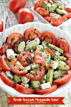 Tomato Avocado Mozzarella Salad uses tomatoes, avocados & mozzarella cubes in an amazing Greek salad dressing that's to die for! Quick, easy, and so tasty! Vegetarian Recipes, Cooking Recipes, Healthy Recipes, Feta, Mozzarella Salad, Fresh Mozzarella, Clean Eating, Healthy Eating, Bariatric Recipes