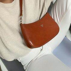 Vegetable Tanned Leather, Women's Bags, Saddle Bags, Leather Handbags, Dress Up, Instagram, Fashion, Atelier, Moda