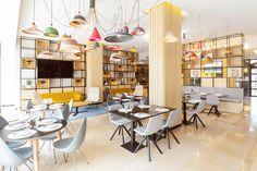 La decoración del nuevo lobby de Novotel resulta agradable, funcional y con un toque vintage