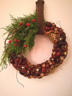 Chestnut, acorn and willow wreath from BDesign ❤